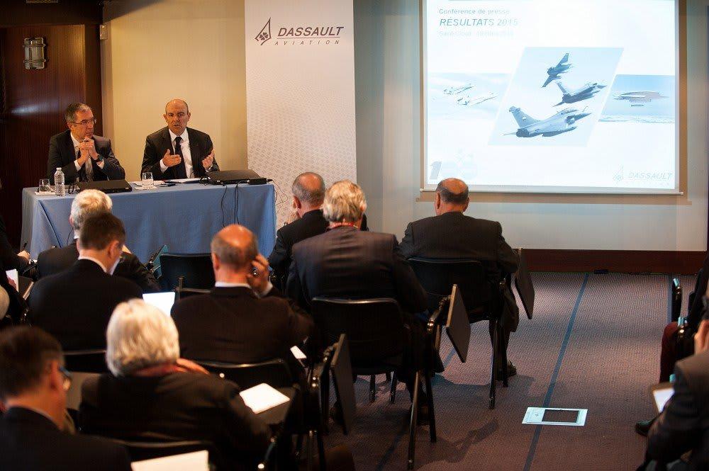 Le 10 mars 2016, à Saint-Cloud, Eric Trappier, Président-directeur général de Dassault Aviation, a tenu une conférence de presse à l'occasion de l'annonce des résultats 2015.