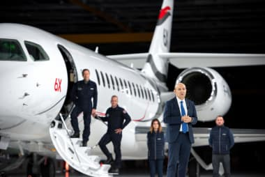 Roll out du Falcon 6X